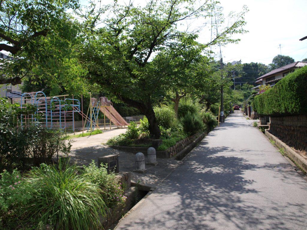 公園 徒歩2分 - 山添児童公園 200m 小林駅から物件までにある公園|無添加住宅の賃貸 近隣