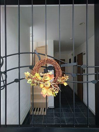 オートロックのドアをハロウィン仕様|アイアンドア